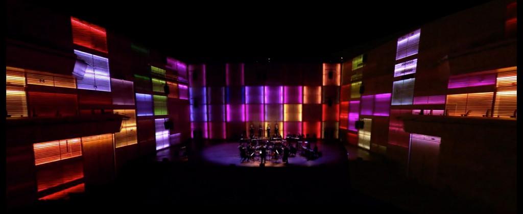 Still uit de video van Tehillim illuminated, een visuele vertaling van Tehillim (Steve Reich, 1981). Muziekgebouw aan 't IJ, ihkv World Minimal Music Festival